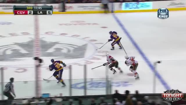 Richards lays down a hit
