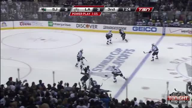 Quick prevents the Sharks from increasing the lead