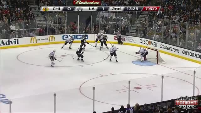 Voynov increases the Kings lead